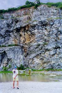 Cliff in quarry at Thaa Yai Tim