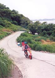 Motorcycling up from Tham Phang